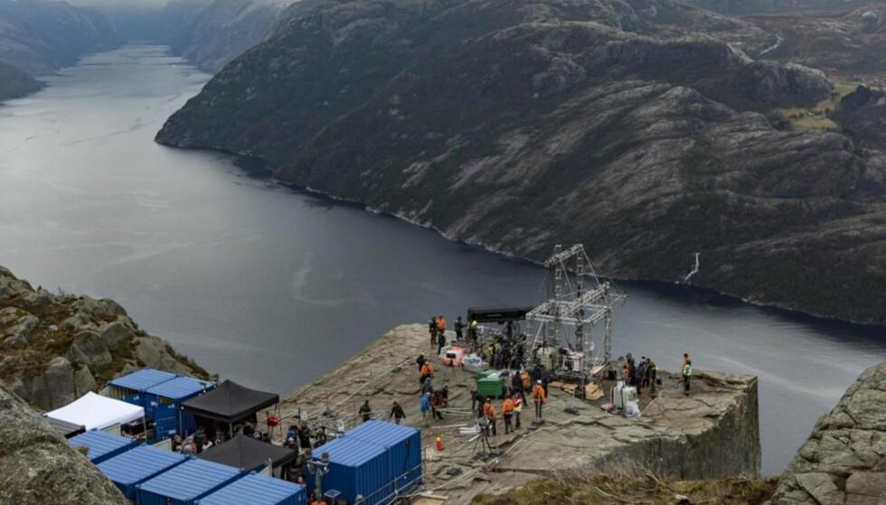 BLE STENGT: I den kommende filmen «Impossible 6 – Fallout» med Tom Cruise ble avslutningsscenene spilt inn på Preikestolen, men i filmen er Preikestolen framstilt som den ligger i Kashmir. Foto: Tommy Ellingsen / Dagbladet