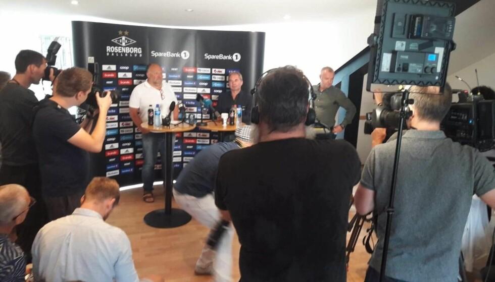 KAOS: Ivar Koteng forteller om RBK-styrets beslutning. Foto: Frode Thingstad