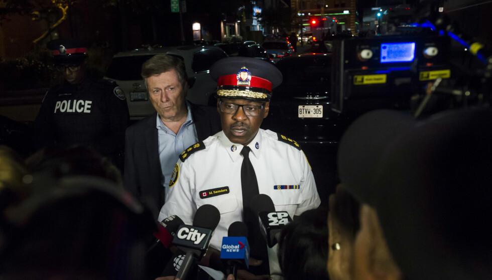 GÅR UT MED NAVN: Police-sjef i Toronto Mark Saunders i møte med pressen mandag. Foto: Christopher Katsarov / The Canadian Press via AP / NTB scanpix