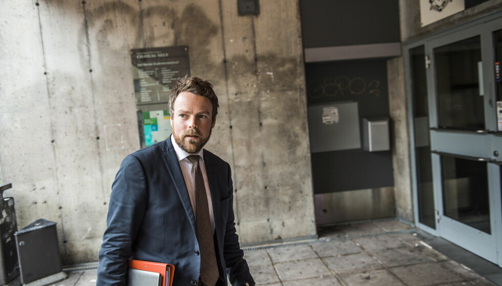 FORFRISKENDE: Næringsminister Torbjørn Røe Isaksen mener den omstridte psykologiprofessoren Jordan Peterson er et friskt pust. Foto: Endre Vellene / Dagbladet