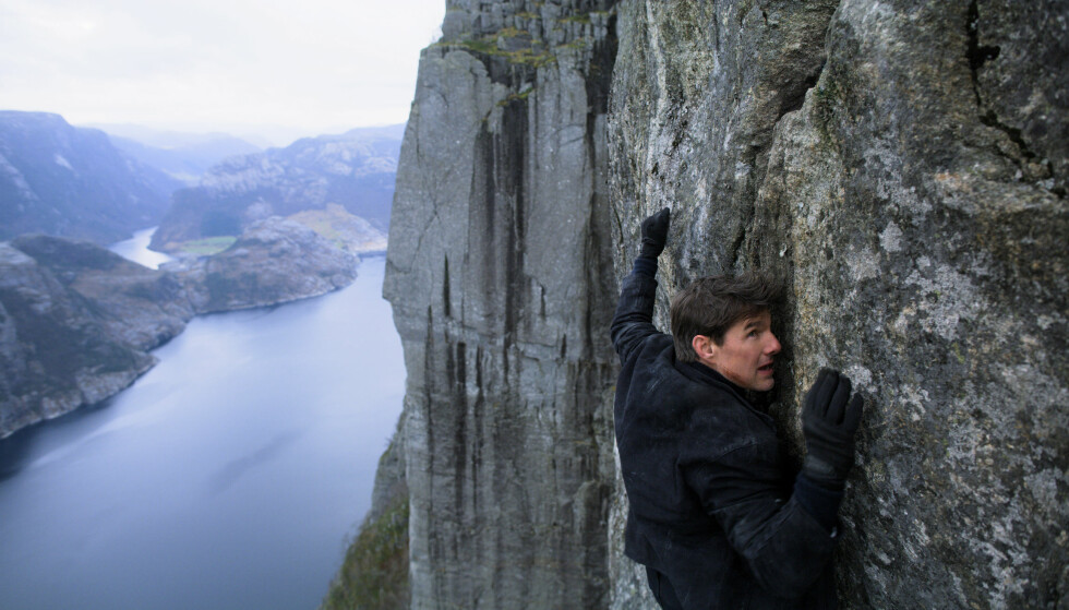 NORGESREKLAME: Visit Norway bruker 50 000 på å få utenlandske medier til filmpremiere på Preikestolen. Her ser vi Tom Cruise i aksjon i India, eller var det Norge? Foto: Paramount.