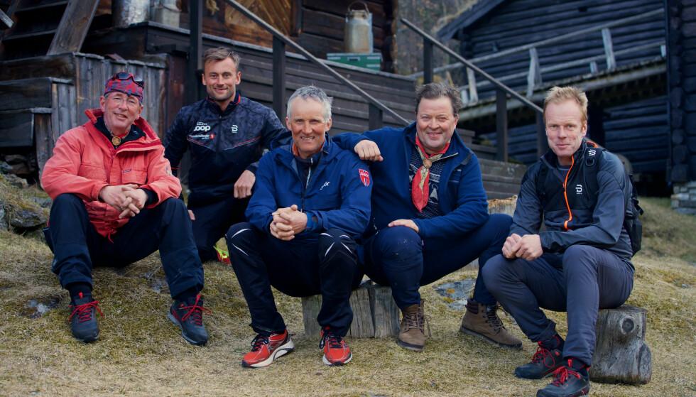 STOR SUKSESS: Gutta på tur med Arne Hjeltnes, Arne Brimi, Vegard Ulvahng og Bjørn Dæhlie har vært en av TV 2s største tv-suksesser. Her med besøk av Petter Northug. Kvartetten lyktes ikke like godt med øl. Fot: NTB Scanpix