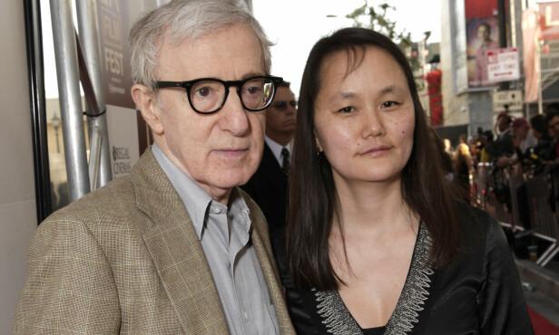OPPSIKTSVEKKENDE: Woody Allen giftet seg med ekskjærestens adoptivdatter i 1997. De er fortsatt gift i dag, og har adoptert to døtre. Foto: NTB Scanpix