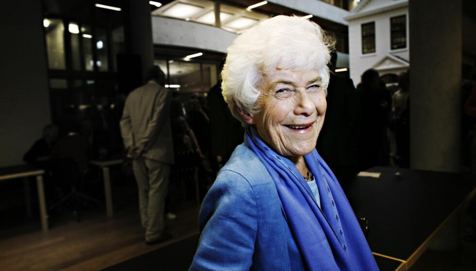 HJERTELIG SMIL: Norske kokker minnes Ingrid Espelid Hovig, her fra en forlagsfest hos Gyldendal. Foto: Frank Karlsen / Dagbladet