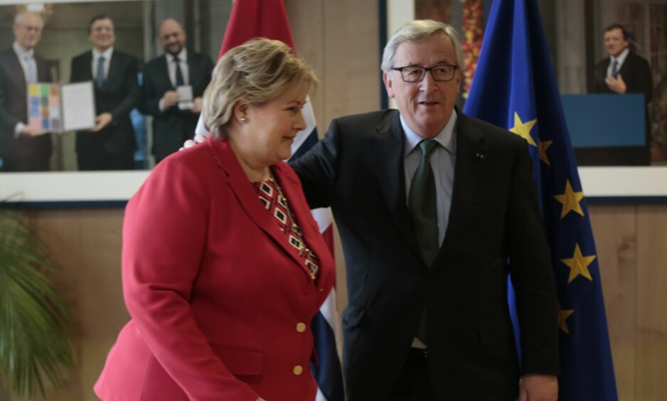 MÅ TA ANSVAR: - Dessverre har vi i Norge, gjennom å avvise EU-medlemskap, ikke vært villig til å ta vår del av ansvaret for freden i Europa, skriver kronikkforfatter og mener norsk EU-debatt er nedstemmende. På bildet er statsminister Erna Solberg i ett av sine møter med EU-kommisjonens president Jean-Claude Juncker. Foto: Lise Åserud / NTB scanpix