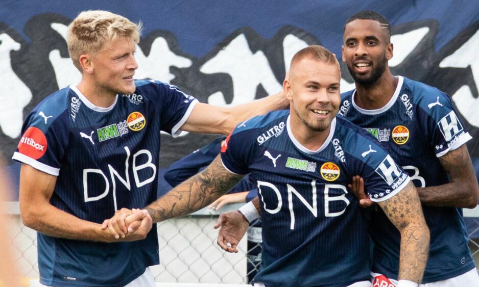 TOPPSCORER: Marcus Pedersen (i midten) er eliteseriens toppscorer med tretten mål. Foto: Audun Braastad / NTB scanpix