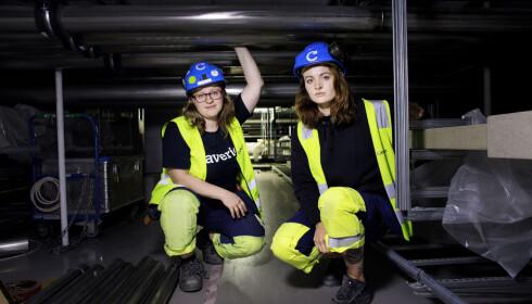LAVT: Den lave takhøyden og alle installasjonene gjør etasjen uoversiktlig, ifølge Kristine Wendt (til venstre) og Mar Gjelstad. Foto: Henning Lillegård / Dagbladet