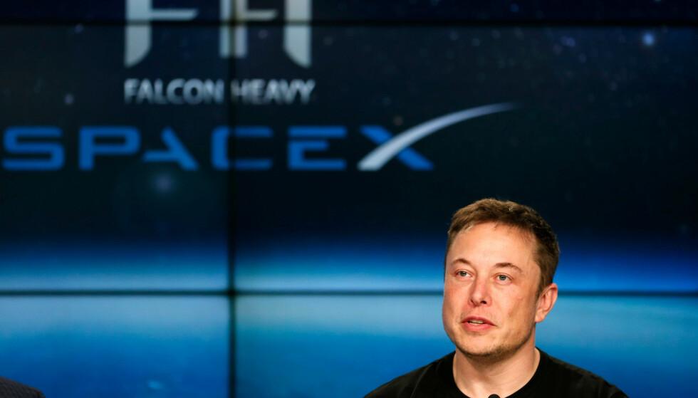 FORHANDLER: Elon Musk fester sin lit til at Saudi-Arabias investeringsfond vil hjelpe ham med å ta Tesla av børsen. Arkivfoto: Kiichiro Sato / AP / NTB scanpix