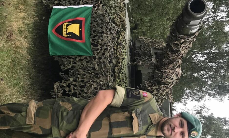 SPLEIS: Fornærmedes tidligere kollega og eskadronsersjant i Telemark bataljon, Christian Brusletto, har satt i gang innsamling på Spleis.no. Foto: Privat.