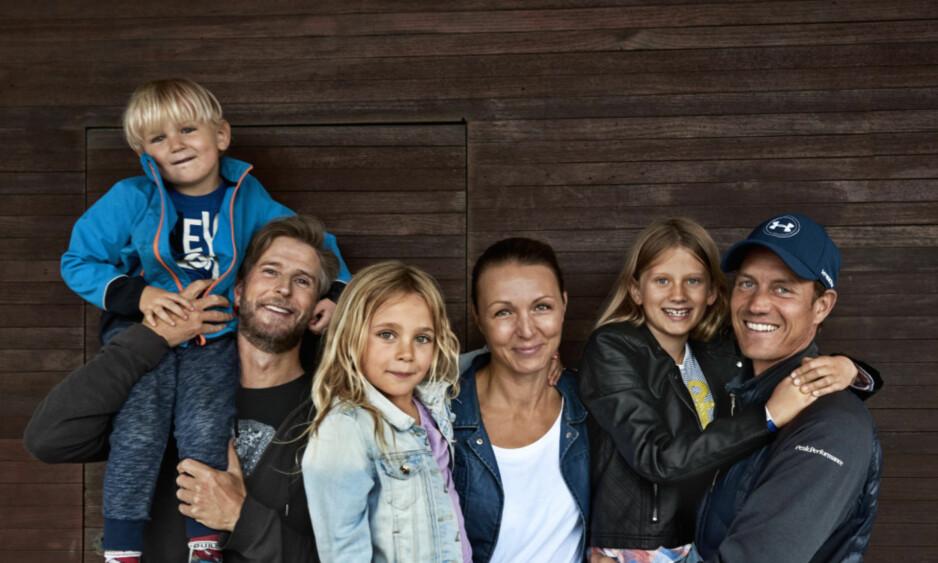 FORHOLD: Luise bor sammen med ektemannen Jesper (til venstre), deres to barn, og Mads (til venstre) og datteren hans. Foto: Franne Voigt