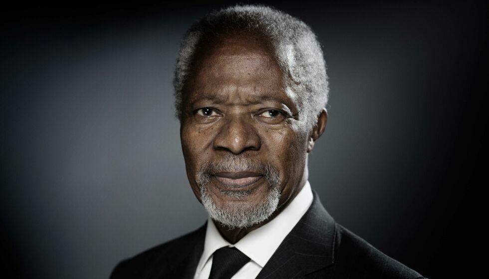 - EN KJEMPE: Tysklands statsminister Angela Merkel har blant annet uttalt at Kofi Annan inspirerte henne og mange andre med sine ideer, sin sterke overbevisning og sin karisma. Foto: NTB Scanpix