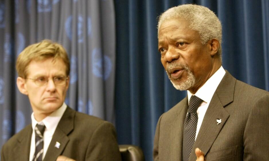- EN AV DE HELT STORE: FNs generalsekretær Kofi Annan og nødhjelpskoordinator Jan Egeland i New York 30. desember 2004 etter tsunami-katastrofen i Asia. Foto: Gregory Bull, AP/NTB Scanpix.