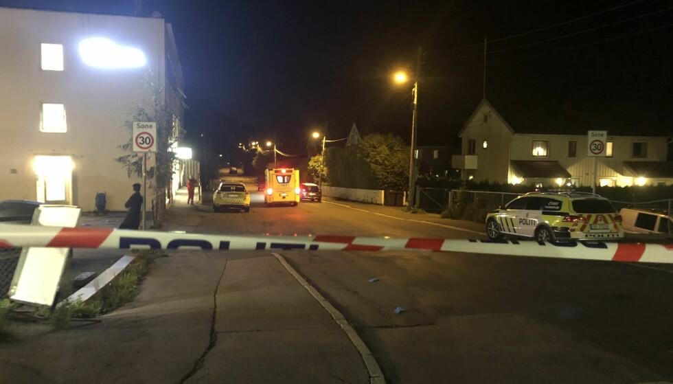 AVSPERRET: Politiet sperret av et område på Grefsen etter knivstikkingen natt til søndag. Foto: Miriam Bakkejord / Dagbladet