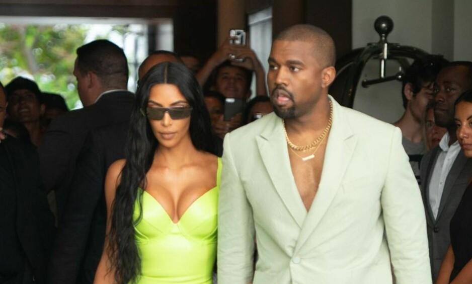 FIKK OPPMERKSOMHET: Ekteparet Kim Kardashian og Kanye West er kjent for å skape store overskrifter verden over, og denne helga var intet unntak. Foto: NTB Scanpix