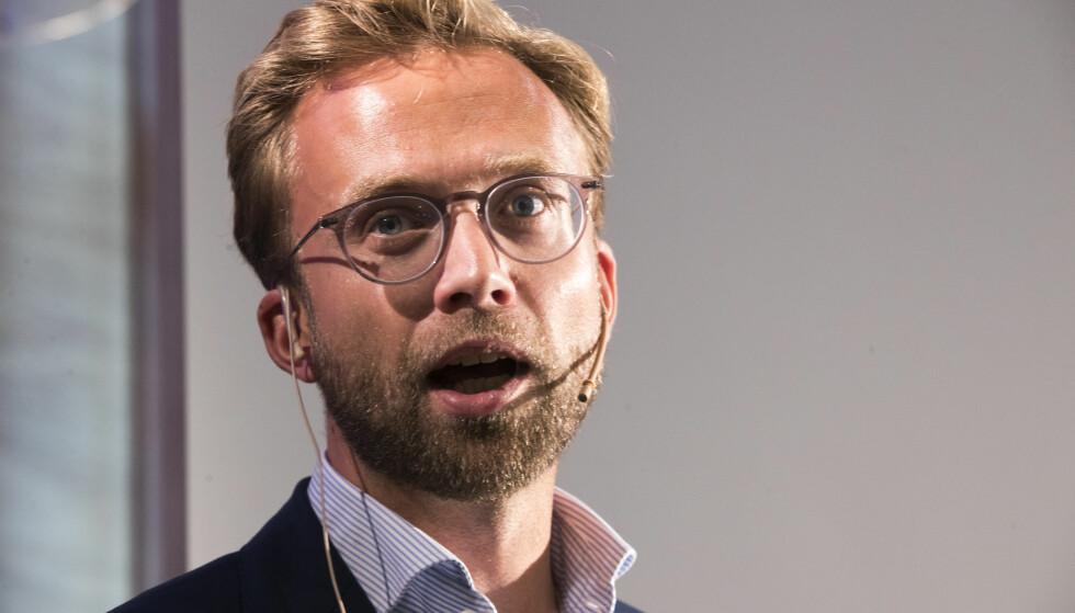 DIGITALISERER: Utviklingsminister Nikolai Astrup diskuterte ny digital strategi for norsk humanitær politikk i Arendal. Foto: Terje Pedersen / NTB scanpix