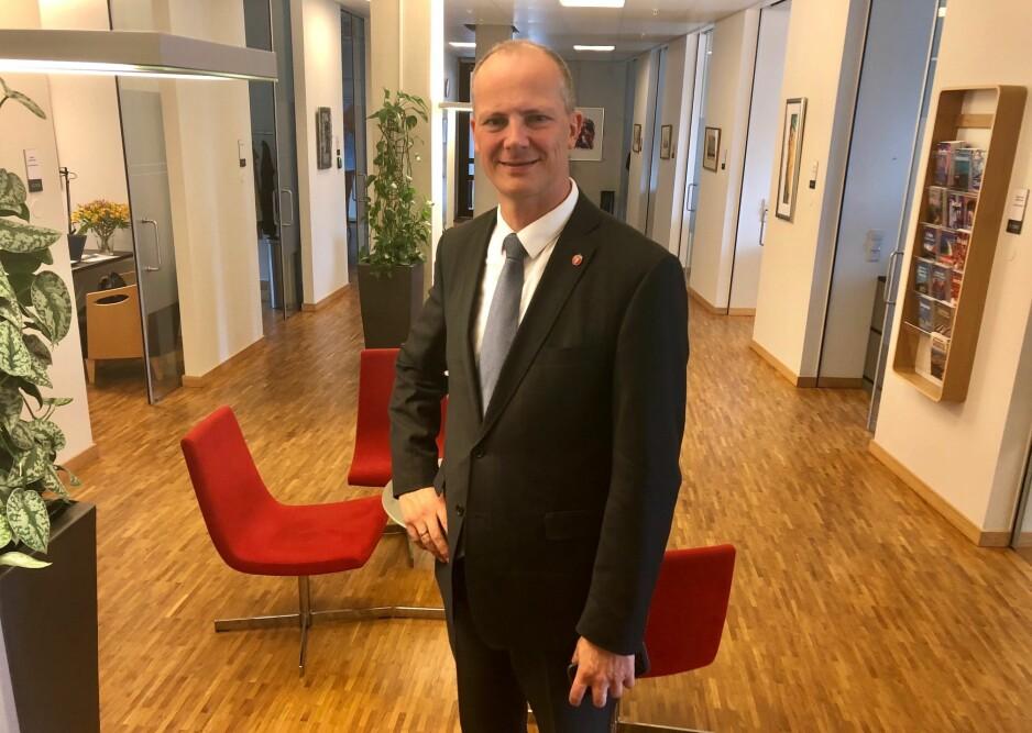 KLAR FOR USA: Ketil Solvik-Olsen (46) forteller til Dagbladet at han trekker seg som samferdselsminister for å følge kona til legejobb i USA. Foto: Gunnar Ringheim / Dagbladet
