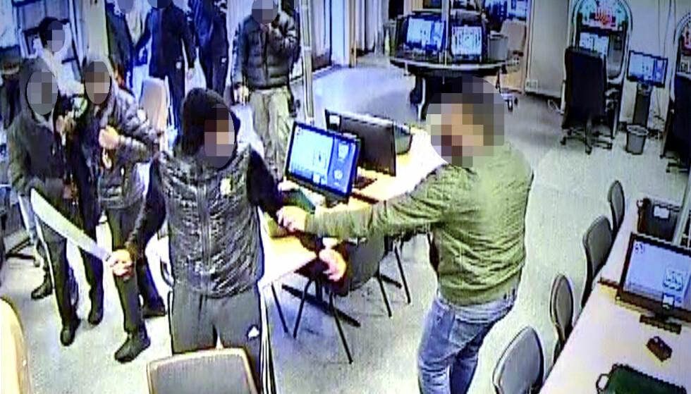 MACHETET: En 23 år gammel mann ble alvorlig skadet i angrepet som fant sted på Ensjø Bingo 4. juni i 2017. Foto: Politiet.