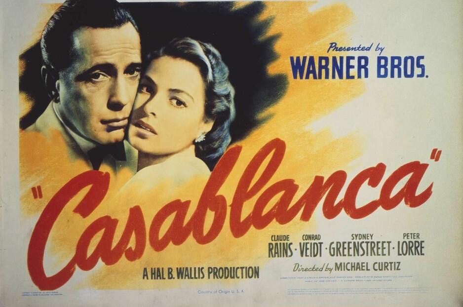 """CASABLANCA. Filmen hadde premiere i 1942. Den ble selvsagt ikke vist i Norge eller andre okkuperte land, men i Stockholm ble den en suksess. Designet er kopiert på omslaget til boka """"Nordens Casablanca"""" av Alf Skjeseth, den første samlede fortellingen om det norske eksilmiljøet i Stockholm."""