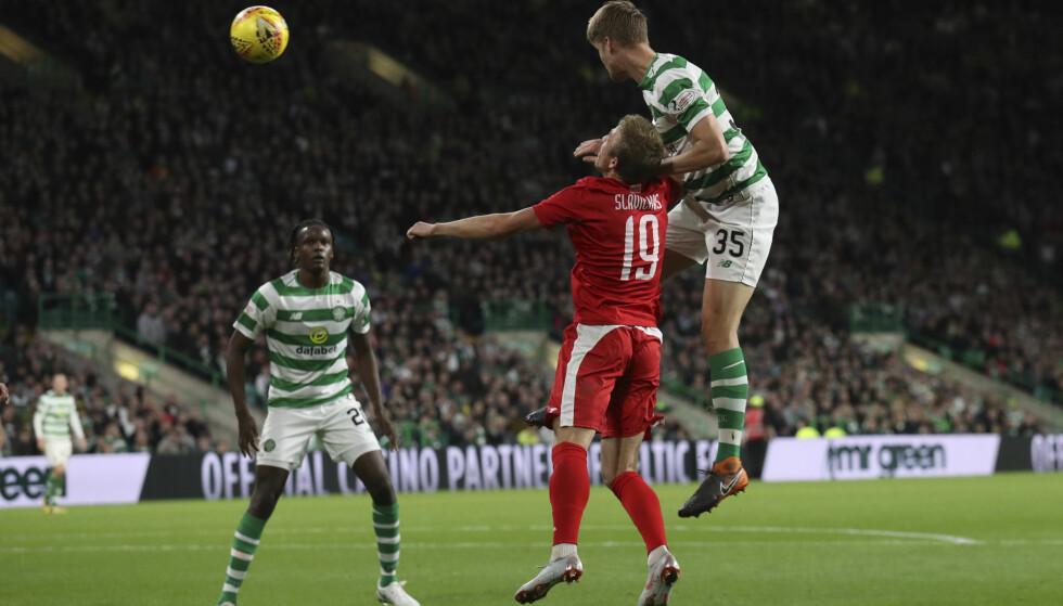 SCORING: Kristoffer Ajer nikker inn sitt første mål som Celtic-spiller i 3-0-seieren over Suduva som ga plass i europaligaens gruppespill. Foto: Andrew Milligan, PA via AP / NTB scanpix