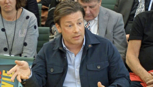 ØNSKER FORBUDET VELKOMMEN: Jamie Oliver har vært en aktiv pådriver for regulering av salget i Storbritannia. Foto: NTB Scanpix