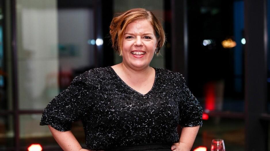 DAME MED MOT OG MED ÅPENHET: Else Kåss Furuseth er klar med en serie om selvmord og hva kan vi gjøre for å redusere antallet her i Norge. Hun er vågal, morsom, varm og nysgjerrig, mener vår anmelder. Foto: TV Norge