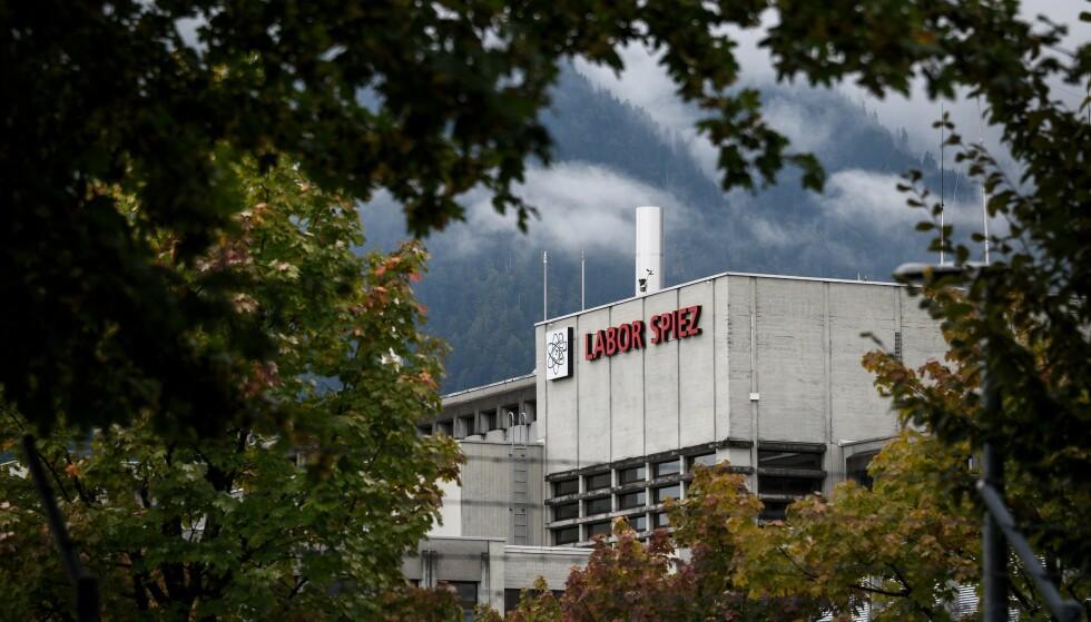 Nederlandsk politi utviste tidligere i år to angivelige russiske spioner. Sveitsiske myndigheter hevder de angivelige spionene planla å gjennomføre et angrep mot dette laboratoriet i Sveits. Foto: AFP Photo / NTB Scanpix
