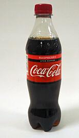 En halvliter Coca Cola uten sukker med bringebærsmak vil koste cirka 23 kroner.
