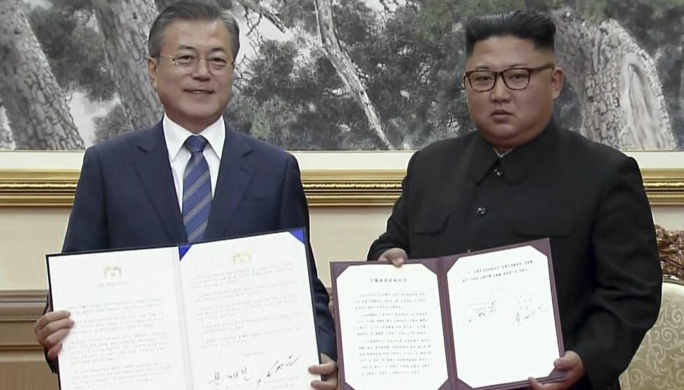 ENIGE: Nord-Korea vil ta konkrete steg mot atomnedrustning, sier Sør-Koreas president Moon Jae-in under en felles pressekonferanse i Pyongyang onsdag. Foto: NTB Scanpix