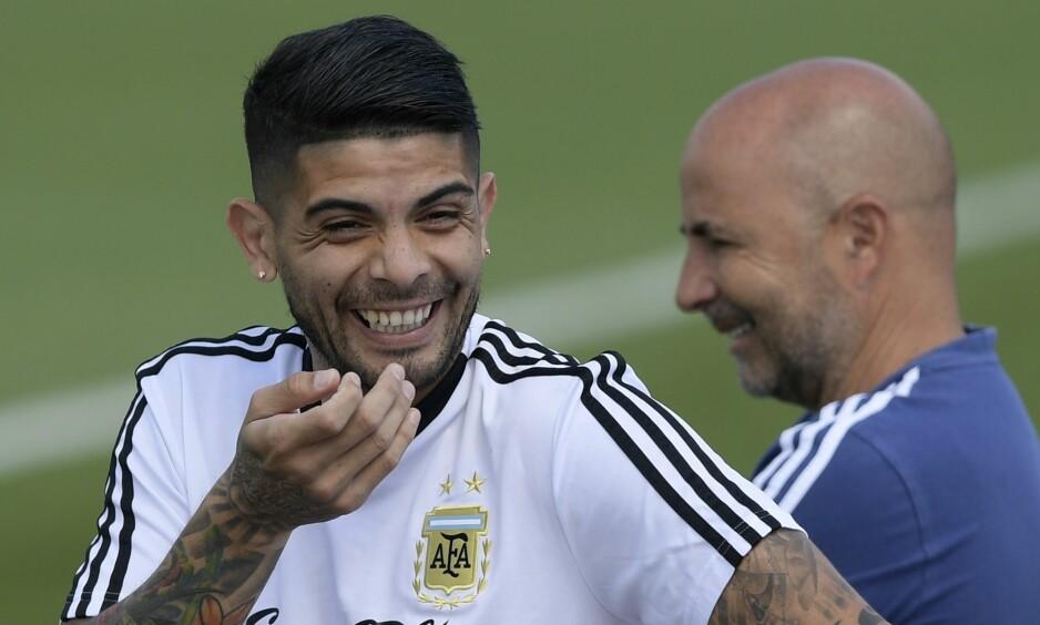 FIKK REVANSJ: Etter mange år med bråk ble Ever Banega tatt ut i VM-troppen til Argentina i sommer. Foto: AFP PHOTO / JUAN MABROMATA / NTB Scanpix