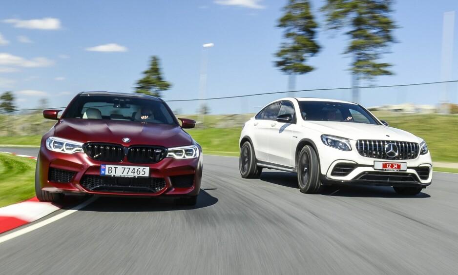 RACERI: BMW M5 (t.v) mot Mercedes-AMG GLC63 S utkjemper en durabelig duell blant prestisjemerkene. Testen viste at det var sjokkerende store forskjeller for hvordan de klarte seg bra testbanen. Alle foto: Jamieson Pothecary
