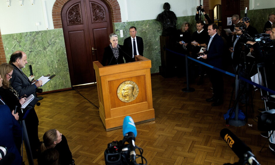 NOBELS FREDSPRIS: Leder for nobelkomiteen, Berit Reiss-Andersen, under kunngjøringen av fjorårets fredspris 6. oktober i fjor. Den gikk til ICAN, den internasjonale kampanjen for forbud mot atomvåpen. Foto:John T.Pedersen