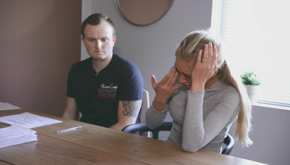 HØY GJELD: Christer Folgerø forteller samboeren at han er lei seg over å ha satt dem i en kinkig situasjon. Foto: TV3