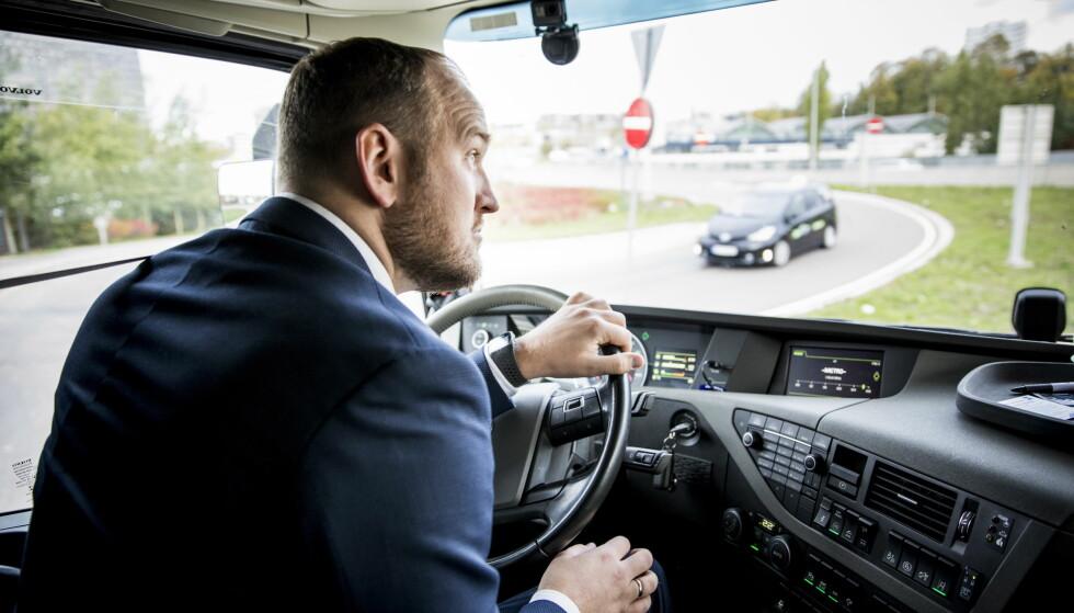 DEBUT: Samferdselsminister Jon Georg Dale debuterte som lastebilsjåfør og likte opplevelsen. Foto: Christian Roth Christensen / Dagbladet