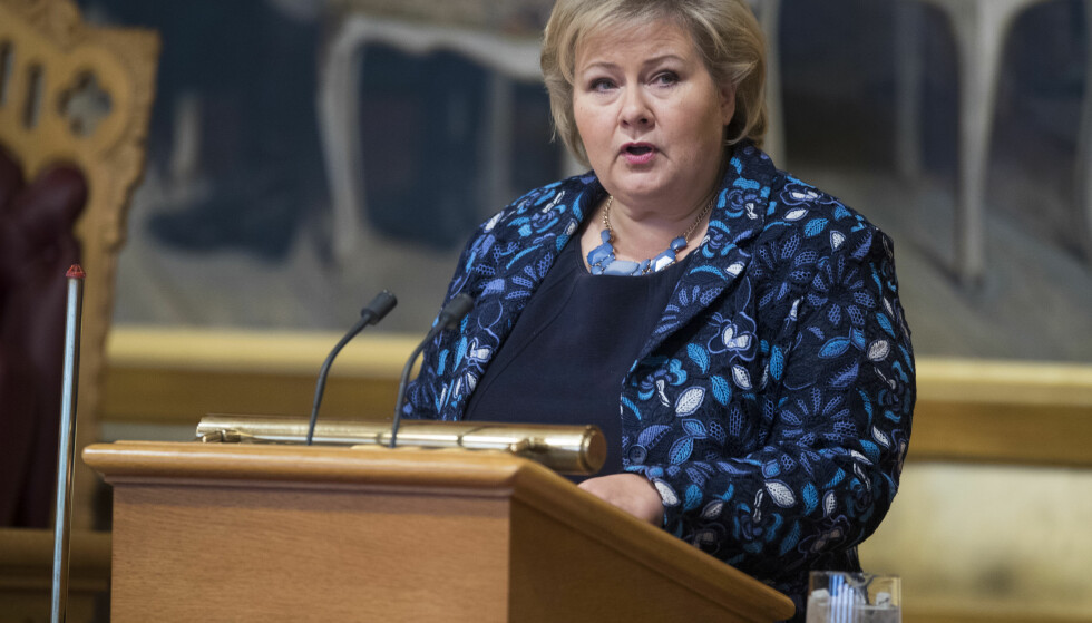 MÅTTE SVARE: Statsminister Erna Solberg under trontaledebatten i Stortinget torsdag. Foto: Terje Pedersen / NTB scanpix