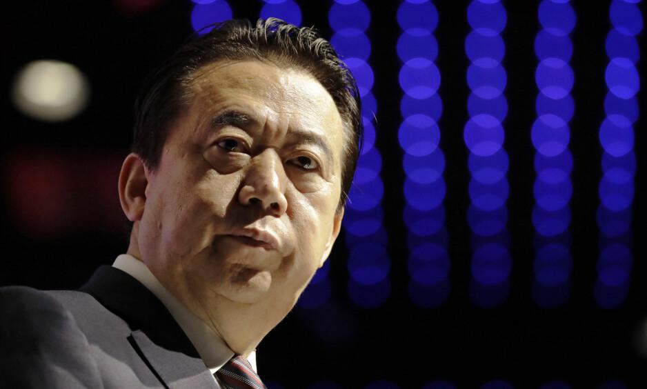 SAVNET: Interpol-sjef Meng Hongwei forsvant under en tur til Kina. Her da han holdt åpningstalen på en Interpol-kongress i Singapore i fjor. Foto: AP / NTB scanpix