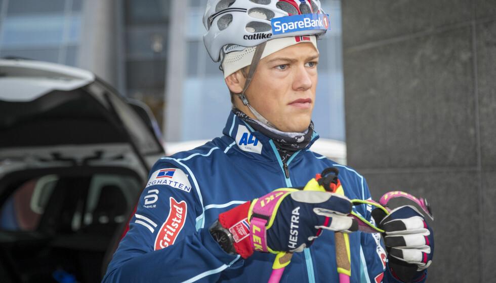 SLITT MED SYKDOM: Johannes Høsflot Klæbo foran en treningsøkt på rulleski i Molde i starten av oktober. Foto: Heiko Junge / NTB scanpix