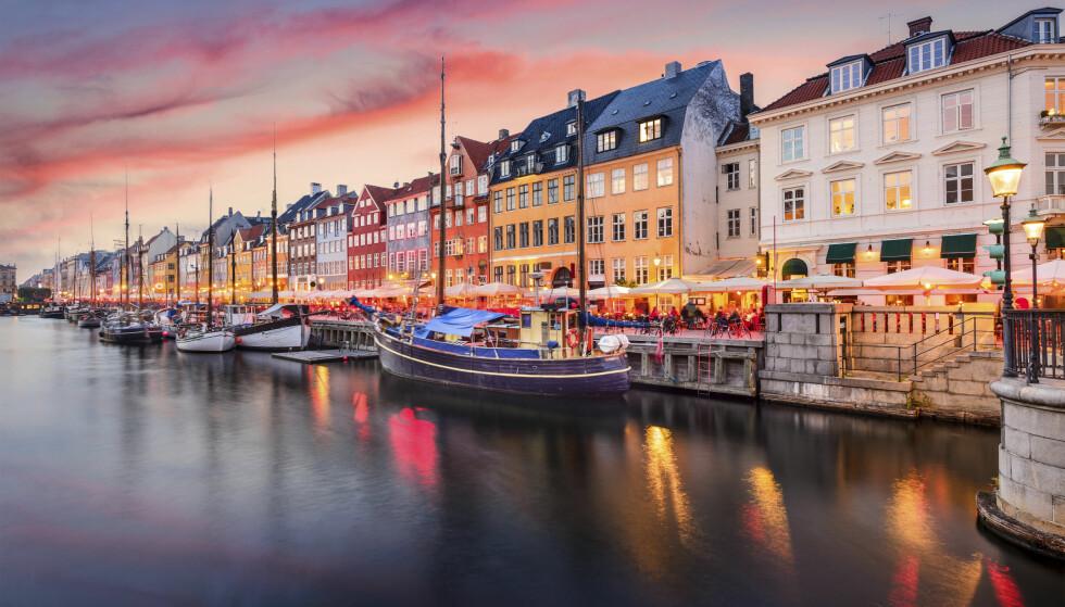 NYHAVN: Selve symbolet på København, Nyhavn, må selvsagt besøkes. Mange flotte restauranter holder til her. Foto: Shutterstock / NTB Scanpix