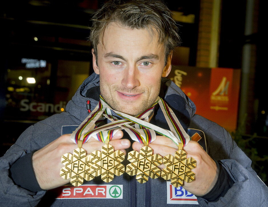 VM I FALUN 2015: Svenskene har fått juling så det holder. Petter Nordhug kom hjem med fire gull, blant annet både sprinten og femmila. Foto: Bjørn Langsem