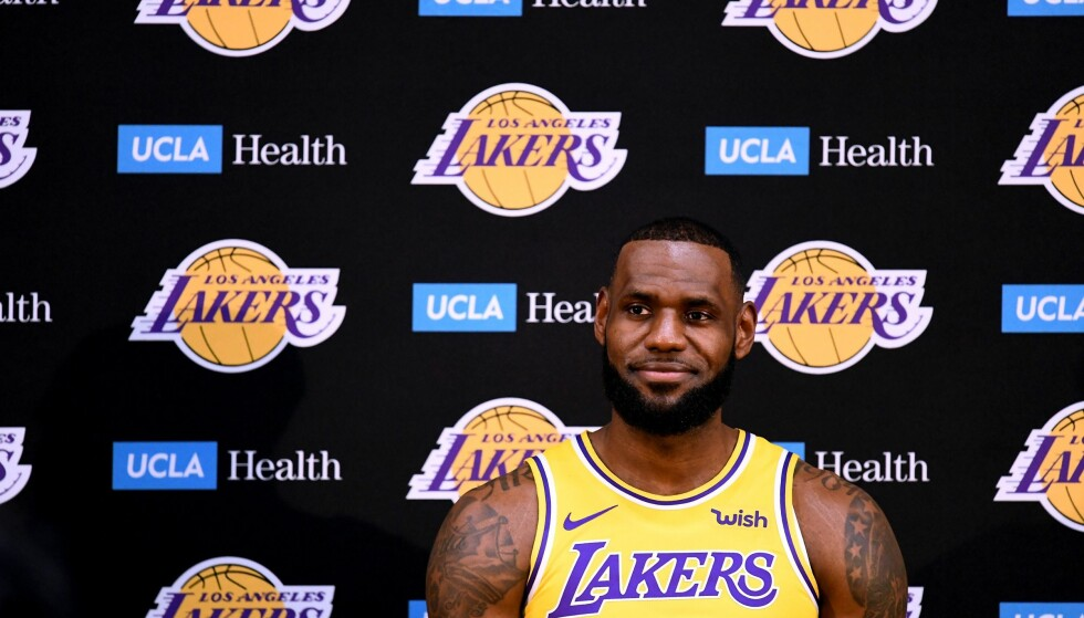 KLAR FOR HOLLYWOOD: Lebron James gikk til Los Angeles Lakers før årets NBA-sesong. Han håper på suksess både på og utenfor parketten. Foto: Harry How / Getty Images / AFP