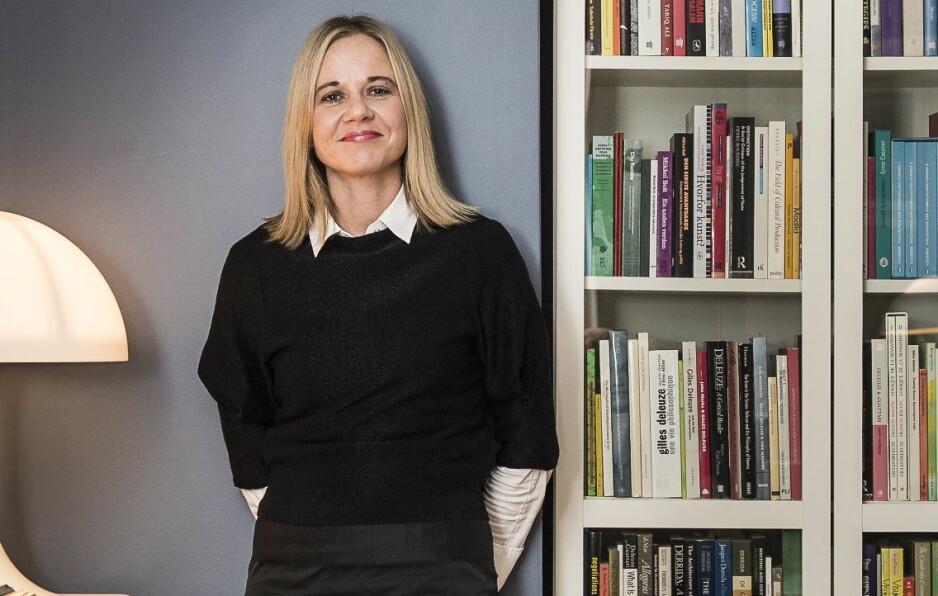 FÅR SVAR: Lars Elton kritiserer Karin Hindsbos interne lederstil og skriver at hun holder kortene tett til brystet i omorganiseringsarbeidet som det siste året har vært gjort internt i Nasjonalmuseet. Hun får støtte av museets styreleder i dette innlegget. Foto: Lars Eivind Bones