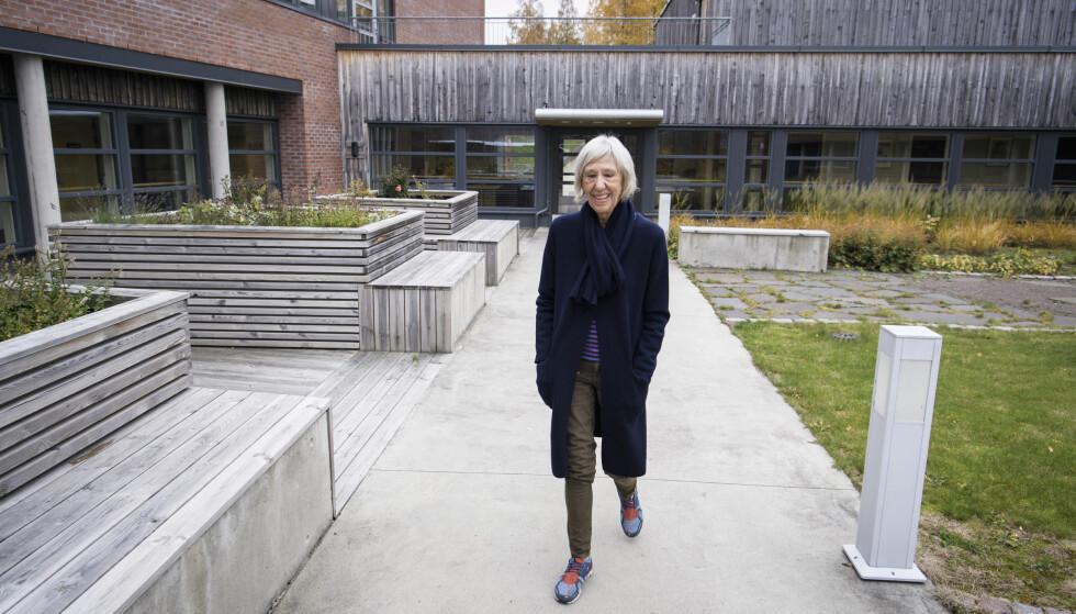 VISSTE IKKE: Nå kan Toril Skard (73) ikke lenger lese, kjøre bil, eller kjenne igjen mennesker før de er helt nære henne. Foto: Lars Eivind Bones