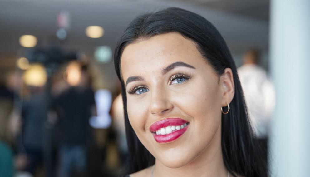 FÅR TANNLEGEREFS: Melina Johnsen fikk filt ned sine egne tenner, for å sette på implantater. Her før inngrepet. Foto: Håkon Mosvold Larsen / NTB scanpix