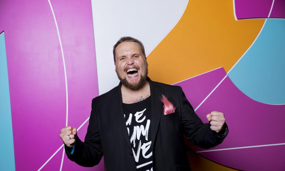 SUKSESS: Stian «Staysman» Thorbjørnsen høster god seertall og kritikker som programleder for «Ti på topp». Foto: Julia Marie Naglestad/NRK