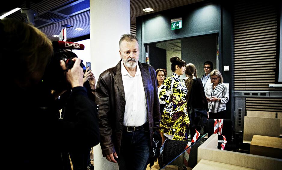 PÅ VEI INN i RETTEN: Eirik Jensen og samboeren Ragna Lise Vikre er klare for den avgjørende runden i retten. Foto: Nina Hansen