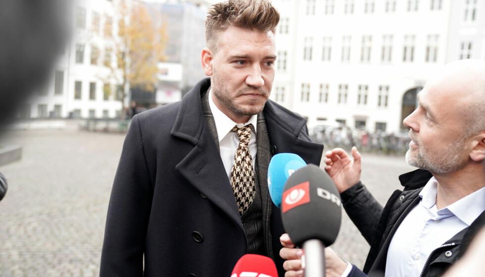 ORDKNAPP: Nicklas Bendtner snakket ikke med pressen etter rettssaken fredag. Seinere fredag la han ut en post på Instagram. Foto: Martin Sylvest/Ritzau/Scanpix/Reuters