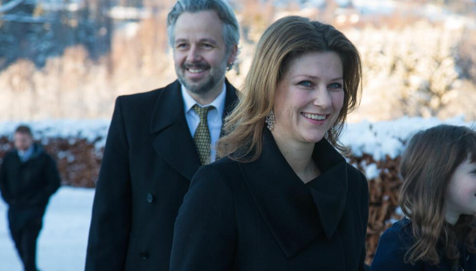 LER HELE VEIEN TIL BANKEN: Ari Behn og prinsesse Märtha Louise hadde et godt år i fjor. Begge tjente betraktelig mye mer enn hva de gjorde i 2016. Foto: NTB Scanpix