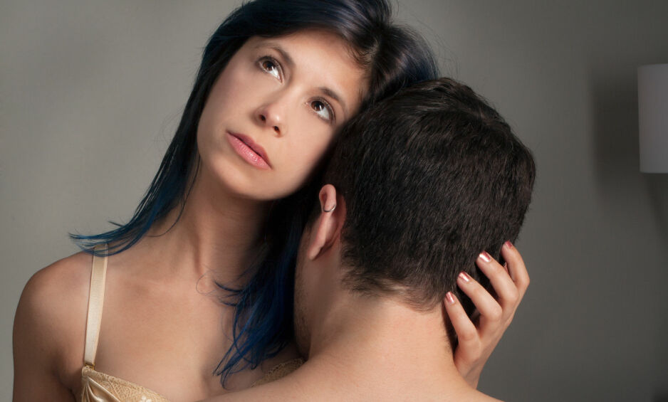 SKAM : Kvinnen fikk skyldfølelse på grunn av manglende lyst på sin nye kjæreste. Nødløsningen hennes var å fantasere om overgrepene hun var blitt utsatt for, slik at hun klarte å få tenning. Det gjorde alt enda verre. Illustrasjonsfoto: Stockfoto / NTB Scanpix