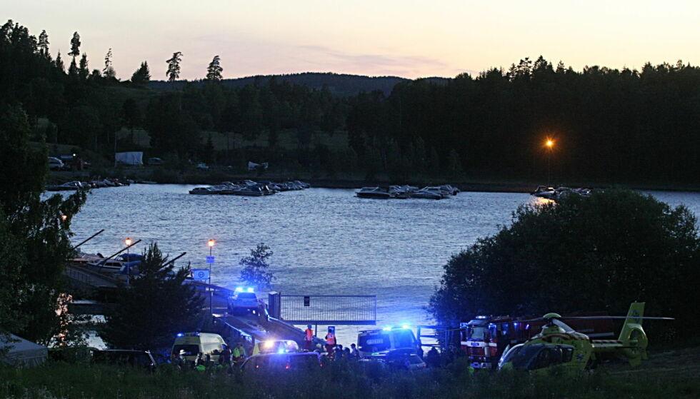 VIRKELIGHETSNÆRT: Slik så det ut for befolkningen rundt Hole og Utøya i sommer da NRK spilte inn dramaserien «22. juli». Uten å varsle dem. Foto: Rasmus Lindberg
