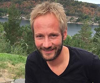 VARM SAUS: Kjartan Skjelde vil ha nylaget, varm saus på riskremen. Foto: Cecilie L. Berg