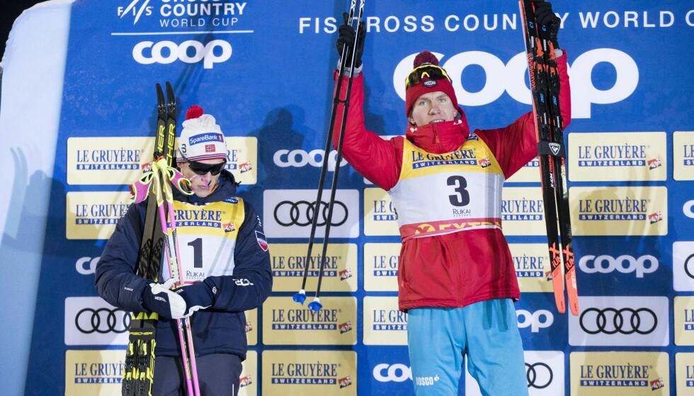 SLÅTT: Alexander Bolshunov er blitt raskere enn Johannes Høsflot Klæbo inne på oppløpet. Det endrer sporten radikalt. FOTO: Terje Pedersen / NTB scanpix